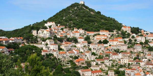 Ortschaft auf Insel Lastovo in Kroatien