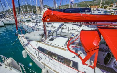 Sprayhood und Bimini von Segelboot Beneteau Oceanis 31