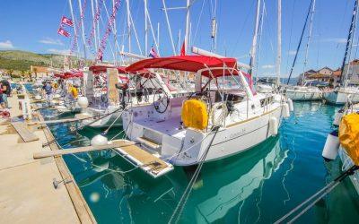 Segelyacht Beneteau Oceanis 38 in Marina Trogir, Kroatien