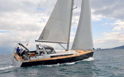 Segelyacht Beneteau Oceanis 55 beim Segeln in Kroatien