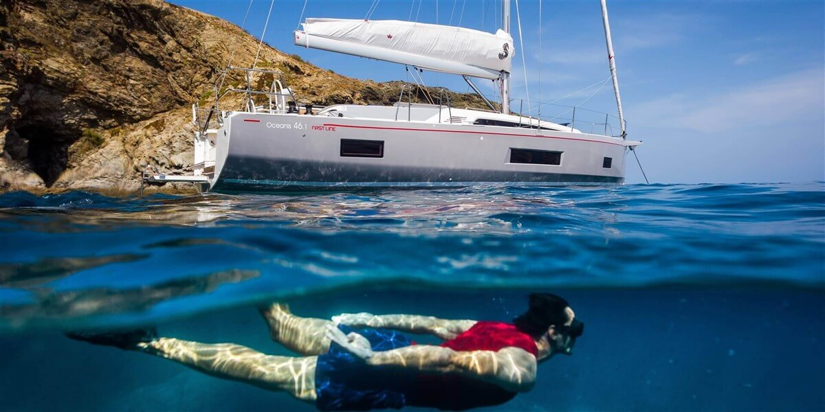 Oceanis 46.1 Beneteau Segelyacht in einer Bucht