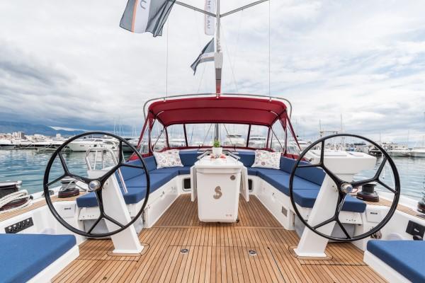 Cockpit Oceanis 51.1
