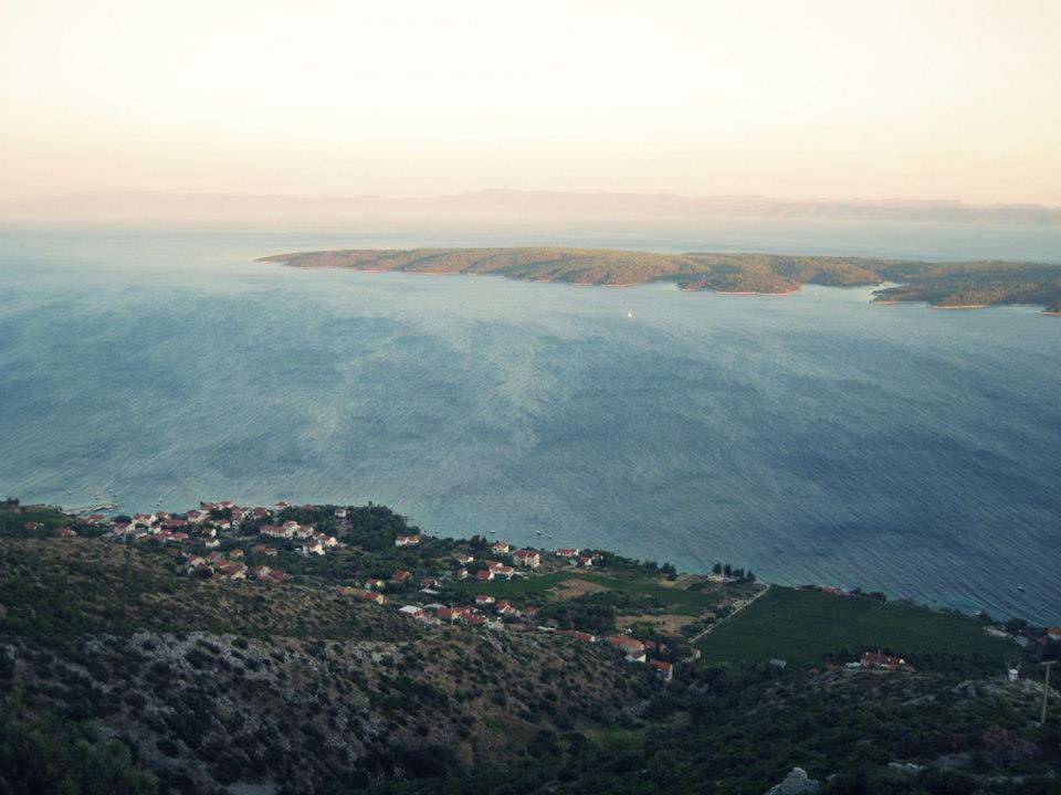 Anblick von Insel Hvar auf die Insel Scedro